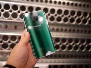 Зеленый Samsung S6