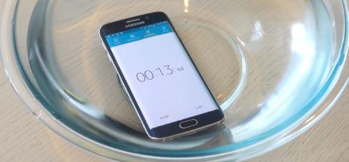 Что делать если Galaxy S6 упал в воду или другую жидкость?