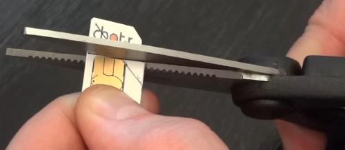Для S8 симку можно просто обрезать