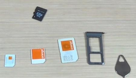 В Samsung S8 можно поставить две сим-карты