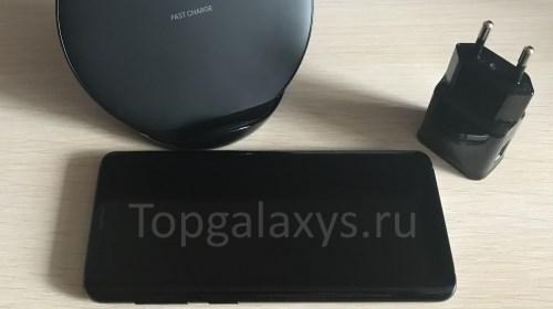 Экран Galaxy S9 не включается - ставим смартфон на зарядку